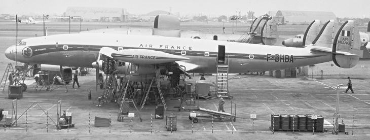 Départ imminent pour le Lockheed Constellation !  Constell_bhba_730